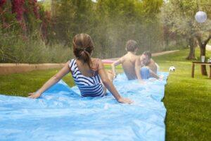 Die besten Wasserrutschen für den Garten
